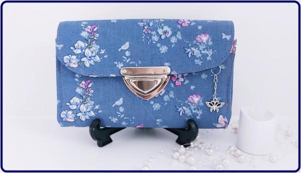 Geldbörse Rauchblau mit Blüten, Schmetterlinge und Vögel