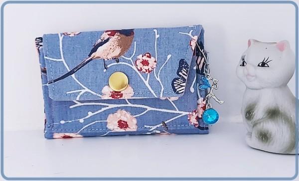 Kleine Geldbörse mit Vögel und Blumen in Blau und Lachsfarben