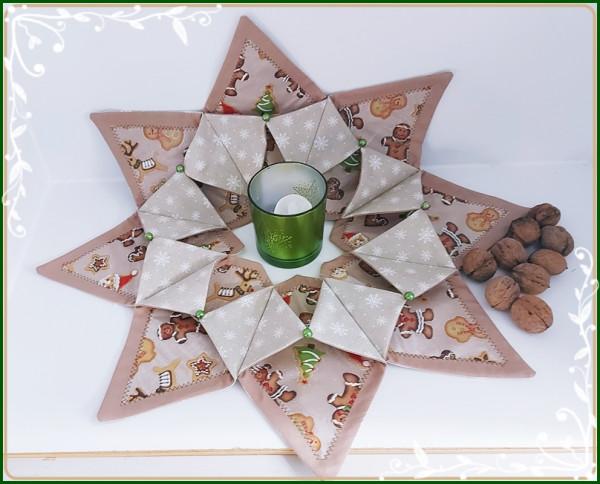 Großer Tischkranz mit weihnachtlichen Motiven in Brauntönen