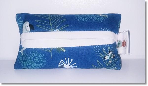 Taschentüchertasche in Blau / Weiß mit Tukan
