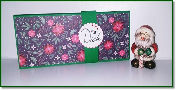 Große Gutscheinverpackung in weihnachtlichen Blumendesign mit grünen Cardstock